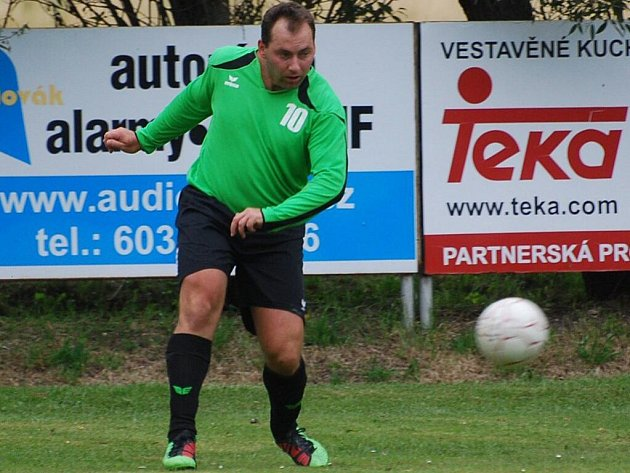 Jiří Zábranský z týmu Poříčí se stal se čtyřmi vstřelenými brankami nejlepším střelcem domácího turnaje ERIMA Cup.