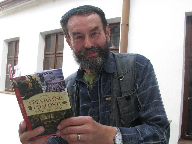 Spisovatel Jan Bauer:
