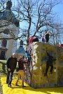 Krásný slunný den prožili nejen věřící na Lomci.