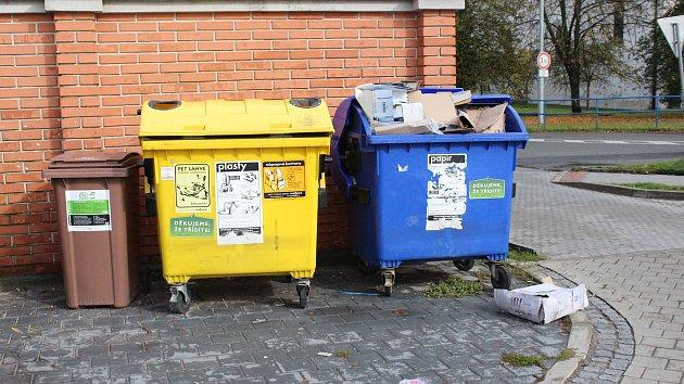 Kontejnery na tříděný odpad. Ilustrační foto