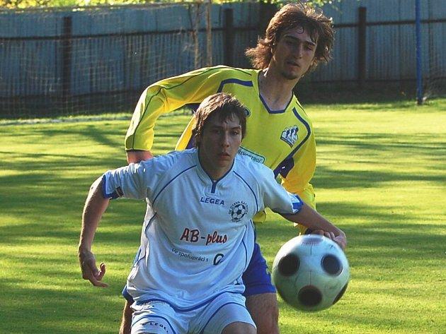 Katovice ve 23. kole krajského přeboru porazily doma Čkyni 2:1, když otočily skóre góly Krejsy a Pelešky.