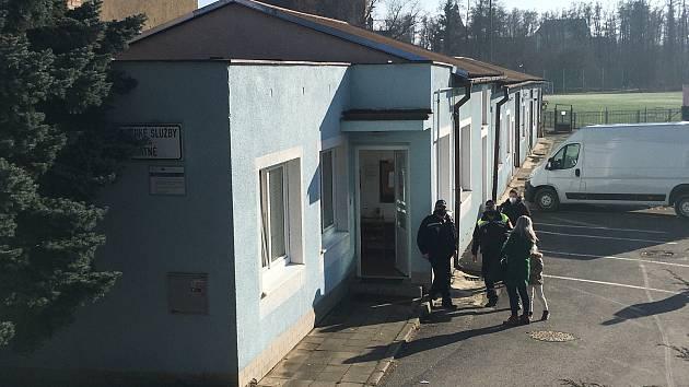 Přesně 40 lidí navštívilo v úterý 2. března nově otevřené testovací centrum v Blatné. Foto: Kateřina Koželuhová