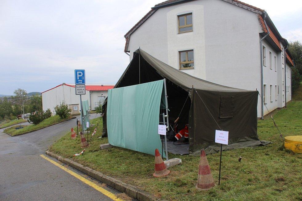 Volební prostor v areálu SÚS Strakonice.