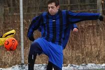 Až ve čtvrtém utkání turnaje Tesla Blatná Cup daly Střelské Hoštice gól. Jeho autorem byl Michal Hládeček. Hoštičtí díky němu porazili Měčín 1:0.