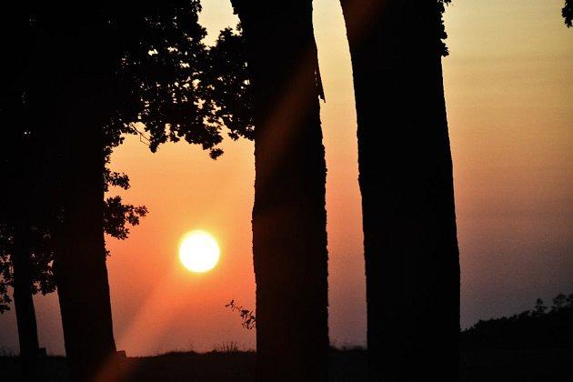 Západ slunce nad Číčenicemi.
