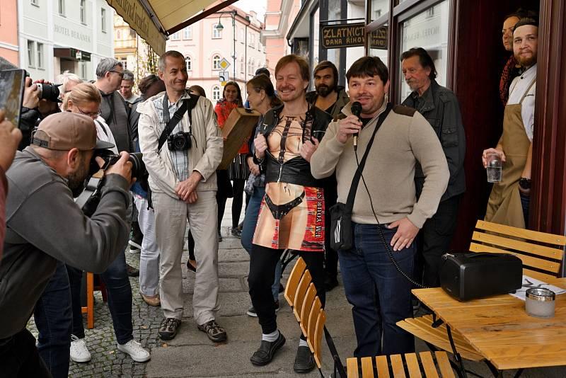 To, že jsou všichni fanoušci fotografie (nejen) o tomto víkendu v Blatné vítáni, potvrdil místostarosta Blatné Pavel Ounický.