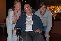 Veronika Pavlová, Petr Hess a Michael Pavlis z Vodňan, který pomáhal se zprovozněním webových stránek o ALS.