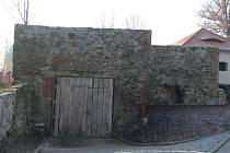 Proměna hradu má pokračovat i rekonstrukcí nevyužívaného objektu u západní brány.