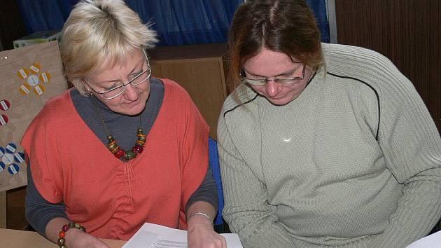Iva Chládková z MAS LAG Strakonicko a Tomáš Koželuh z MAS Svazku obcí Blatenska.