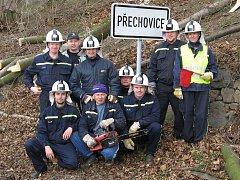 Dobrovolní hasiči z Přechovic zasahovali při povodních i orkánu.