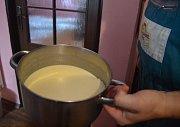 Výroba mléka.