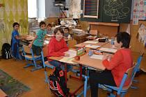 Ředitel Dětského domova ve Volyni Jiří Pán upozorňuje na možné hrozící nebezpečí pro děti, které by změna přejít pod Ministerstvo práce a sociálních věcí přinesla.