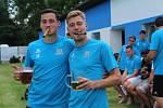 Jiří Funda s hráči Bavorova oslavil postup do I.B třídy. Tam bude pomáhat v roli trenéra.