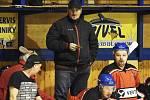 Trenér Martin Všetečka dělí svůj trenérský čas mezi muže Strakonic a reprezentaci děvčat U16.