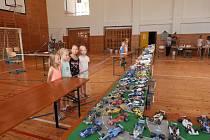 V tělocvičně ZŠ a MŠ Volenice bylo k vidění 270 papírových modelů.