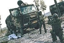 Norská předsedkyně vlády popřála vojákům mnoho úspěchů.