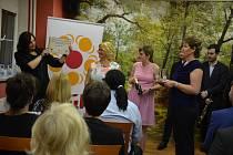 Centrum sociální pomoci ve Vodňanech oslavilo v pondělí 20. ledna dvacet let od svého založení.Lidé mohli na fotografiích zavzpomínat na uplynulé roky a připraven byl i koncert Klarinetového souboru Prachatice.