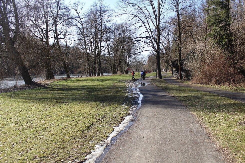 Jarní procházka.