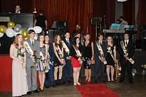 Absolventským plesem se ZŠ v Cehnicích slavnostně loučí s deváťáky.