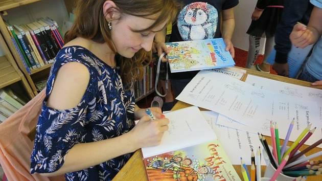Iva Gecková vydala za poslední dva roky 16 knih pro děti.