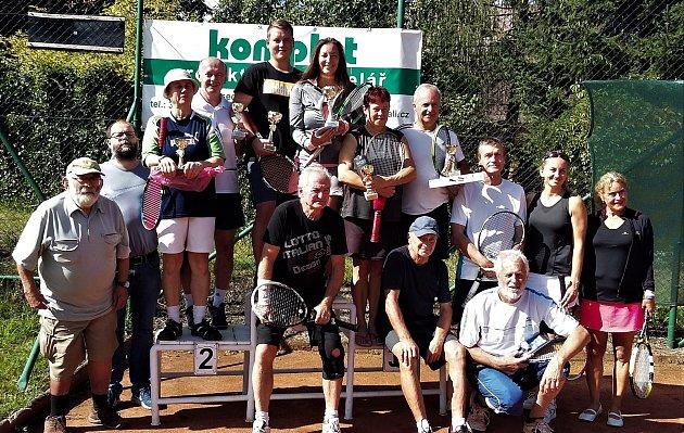 Ve Volyni se hrály tenisové mixy.