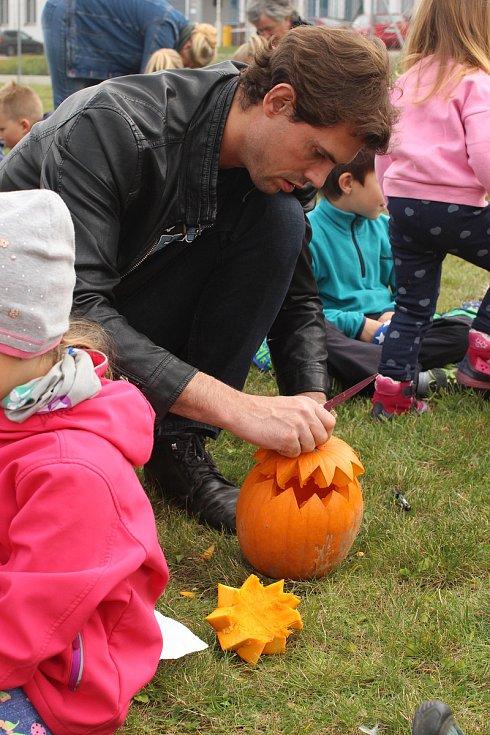 Tradiční dlabání dýní se konalo ve Vodňanech v sobotu 19. října.
