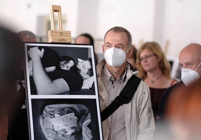 Velký zájem byl při letošním ročníku i o fotografie vystavené v rámci tzv. Otevřené scény