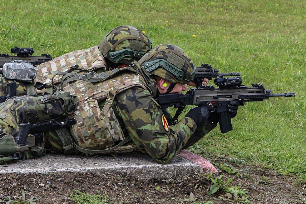 Vojáci museli při několika taktických cvičeních dokázat, že jsou připraveni do zahraniční operace.