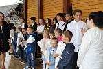 První školní den na ZŠ v Cehnicích.