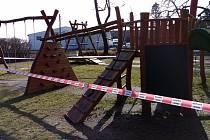 Uzavřené dětské hřiště. Ilustrační foto.