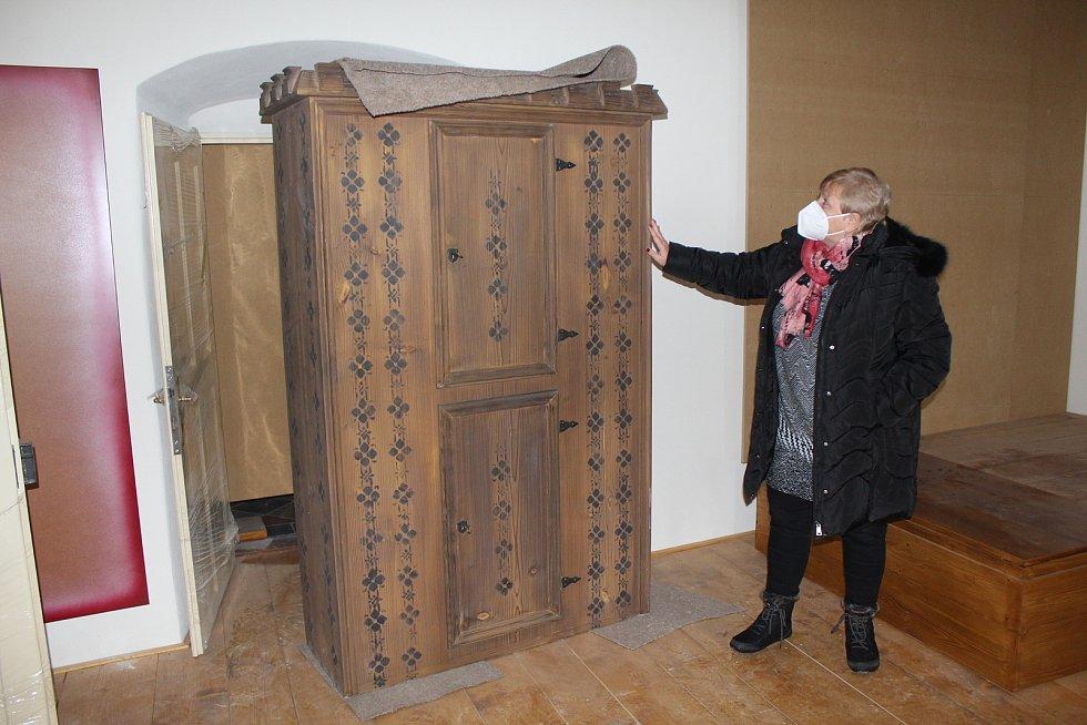 V Kašperských Horách vznikal nábytek do strakonického muzea.