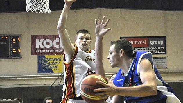 Basketbalisté v sobotu vyhráli, v neděli se jim už v Písku nedařilo.