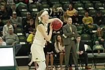 Michaela Gaislerová studuje a hraje basketbal v USA.