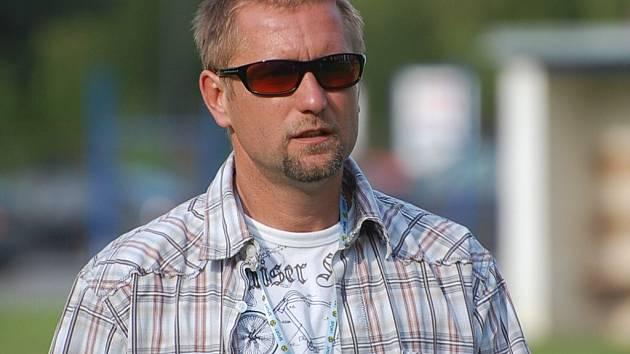 Trenér Jaroslav Voříšek byl po prohře v Domažlicích 1:6 hodně kritický.