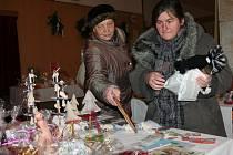 Strakonický vánoční jarmark na podporu Nadace pro transplantaci kostní dřeně v Plzni.