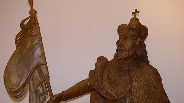 Celkové náklady na restaurování dřevěné plastiky byly 93000 korun.