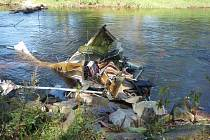 Ve Strakonicích na Podskalí havarovalo 16. srpna těsně před desátou hodinou dopoledne lehké motorové letadlo Cesna. Při nehodě zemřeli tři dospělí lidé. Z trosek letadla se podařilo vyprostit desetiletou dívku, která je ve velmi vážném stavu.