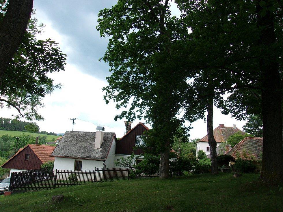 Dobrš je pokládaná za jednu z nejhezčích obcí na Strakonicku.