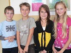 Páťáci ze Základní školy Dukelská ve Strakonicích zleva je Dan Arnold (11), Jiří Slabý (10), Lucie Stárková (10) a Michaela Helmová (10).