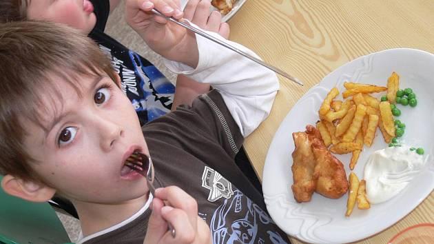 Každý čtvrtek je na ZŠ Poděbradova den mezinárodní kuchyně.
