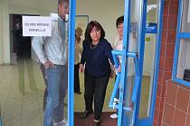 Zavírání volební místnosti na Povážské.