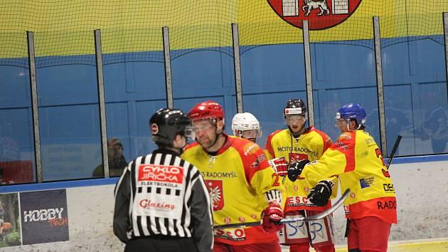 Radomyšl natáhla sérii svých vítězných zápasů i v derby se Strakonicemi.
