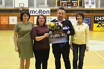 Charitativní akce přinesla neuvěřitelných 61 tisíc korun. Foto: Michal uhlík ml.