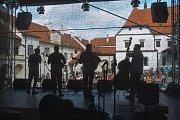 Na nádvoří hradu ve Strakonicích se v sobotu 19. května uskutečnil hudební festival Jamboree.