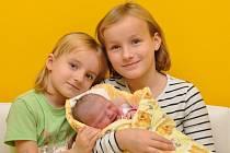 Ema Podracká, Strakonice, 29.10. 2015 v 10.44 hodin, 2990 g. Malá Ema má sourozence Kristýnu (9) a Anetku (4).