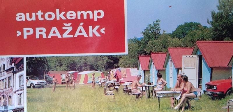 Řada rodin trávila dovolenou v kempu.