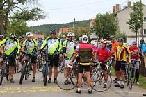 Buzice 19. srpna -  Asi  sedmdesát cyklistů vyrazilo v sobotu dopoledne na vyjížďku po stopách Christiana Battaglii