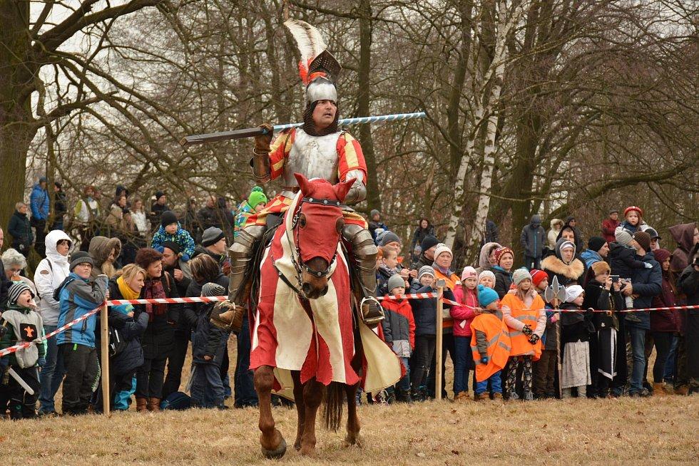 Akce se zúčastnilo 150 bojovníků, osm koní a tři a půl tisíce diváků.