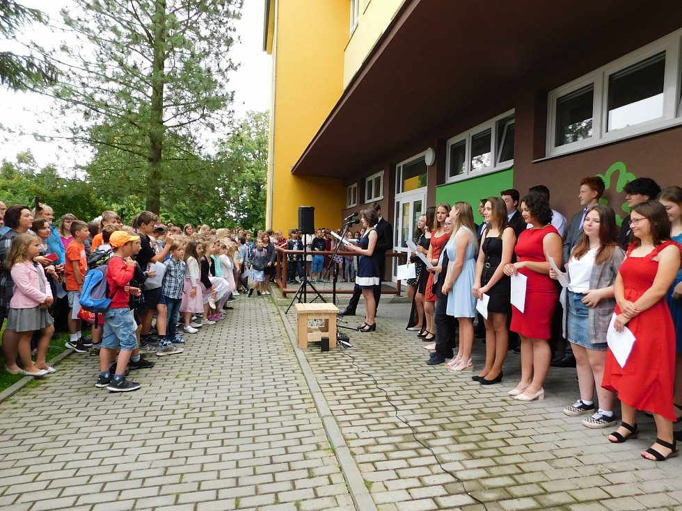 Závěr školního roku v ZŠ v Katovicích na Strakonicku.