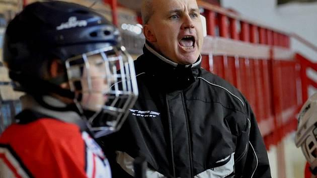 Páťáci HC Strakonice pod vedením trenéra Jiřího Školy vyhráli skupinu o 7.-12. místo.
